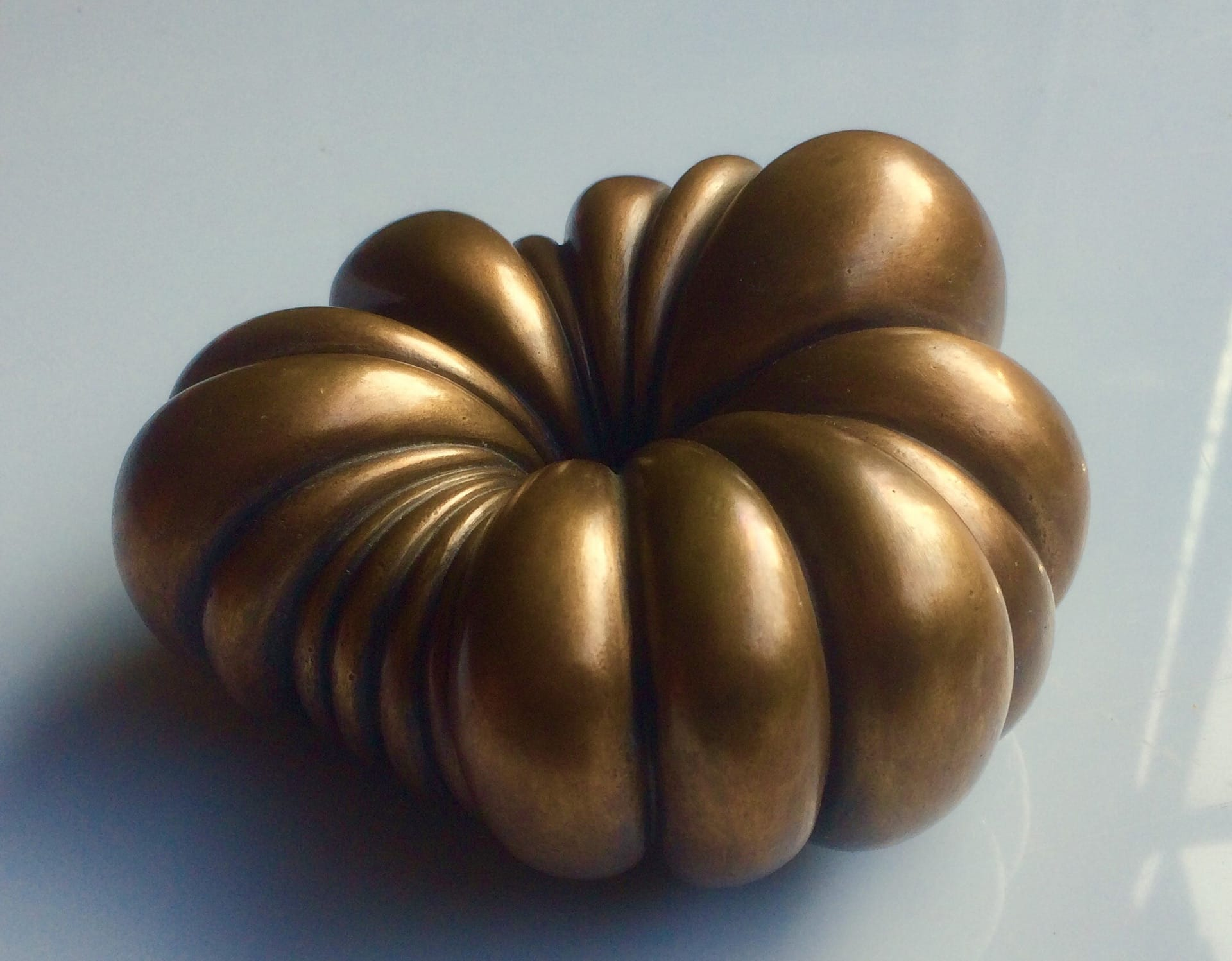 Sven Rünger: Inside out, 2017 (Bronze)